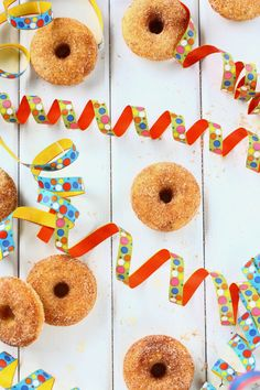 Simat ja muut Vappuherkut ovat jääneet meidän perheessä tänä vuonna hieman vähiin, mutta donitseilla on tullut herkuteltua sitäkin enemmän. Ny… Swedish Recipes, Sweet And Salty, Something Sweet, Doughnut, Desserts, Food, Kids, Healthy, Tailgate Desserts