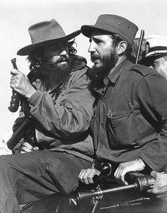 El barbon hijo de anarquistas españoles, señor de la vanguardia, Camilo Cienfuegos.Sombrero alón.