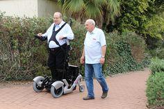 UPnRIDE, la tecnologica sedia a rotelle che permette anche la posizione eretta