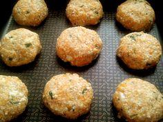 Almôndegas assadas de moranga e ricota: 1 xícara moranga cozida, 1 xícara ricota amassada, 4 cS de farinha... | substituir farinha de trigo por farinha de aveia ou de quinoa #moranga #almondegas