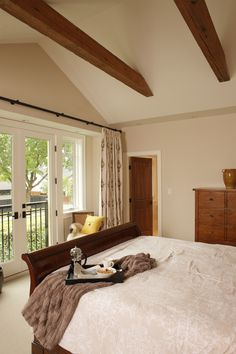 Traditional Style Kitsilano Heritage Home Bedroom With Vaulted Ceiling With Exposed Wooden Beams To Match With Classic Bedstead And Cabinet Beautiful Bedroom Designs, Bedroom Wall Designs, Modern Bedroom Design, Master Bedroom Design, Bedroom Styles, Beautiful Bedrooms, Home Bedroom, Bedroom Ideas, Dream Bedroom