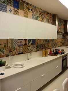Cozinha Kitchen Furniture, Kitchen Dining, Kitchen Decor, Kitchen Cabinets, Interior Design Living Room, Interior Decorating, Modern Kitchen Tiles, Sweet Home, Home Decor Online