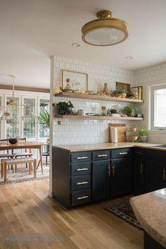 Cozy Kitchen, Home Decor Kitchen, Kitchen Interior, New Kitchen, Home Kitchens, Kitchen Ideas, Kitchen Black, Country Kitchen, Eclectic Kitchen