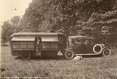 History Old Campers.Let's see what you got! - Page 13 - THE H. This is really vintage! Camping Vintage, Vintage Rv, Vintage Caravans, Vintage Travel Trailers, Vintage Trucks, Old Campers, Retro Campers, Vintage Campers, Vintage Motorhome