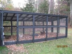Chicken Coop - custom chicken run Building a chicken coop does not have to be tricky nor does it have to set you back a ton of scratch. Chicken Barn, Easy Chicken Coop, Diy Chicken Coop Plans, Portable Chicken Coop, Chicken Coup, Chicken Coop Designs, Backyard Chicken Coops, Building A Chicken Coop, Chicken Runs