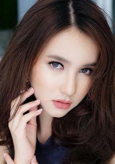 cute LB YOSHI Yoshi, Gorgeous Women, Beautiful, Transgender Model, Portraits, What Is Tumblr, Dumb And Dumber, Beauty Women