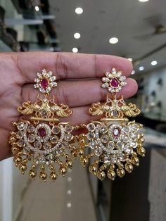 Jewelry Organization Tips jewelry bisuteria Jewelry Organizer. Gold Jhumka Earrings, Gold Earrings Designs, Indian Earrings, Gold Jewellery Design, Jewelery, Silver Jewelry, Jewellery Earrings, Silver Rings, Jewelry Logo