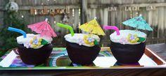 luau party dessert ideas | These little Luau Cupcakes were so CUTE!