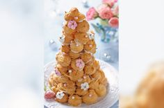 20th Century Croquembouche from You Won't Believe How Wedding Cakes Have Changed Over the Years