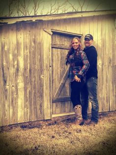 Couples Outdoor Pictures - always a blast shooting and editing #rustic #barn #lovebirds