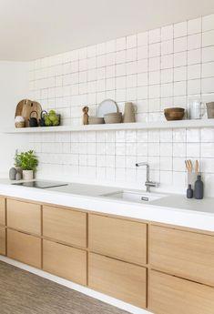 Tourist apartment in Arago Street_II by Miriam Barrio Studio. Kitchen Room Design, Kitchen Sets, Open Plan Kitchen, Kitchen Tiles, Home Decor Kitchen, Interior Design Kitchen, New Kitchen, Home Kitchens, Kitchen Dining