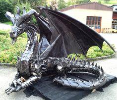 Scrap Metal Dragon Nice One Magical Creatures, Fantasy Creatures, Dragon Medieval, Sculpture Metal, Pet Dragon, Dragon's Lair, Dragon Artwork, Dragon Pictures, Fantasy Dragon
