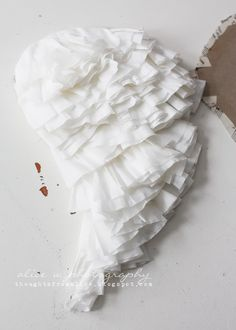 Thoughts from Alice: Coffee Filter Angel Wings {DIY}.♥..¸¸.•♥•