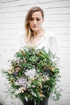 Christmas Wreath With Dried Hydrangea | Insights, your weekly floral update! | www.holex.com