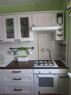 Do You Like Best Inspiring Small Kitchen Design Ideas In Your Home? Ikea Kitchen, Kitchen Dining, Kitchen Decor, Kitchen Cabinets, Upper Cabinets, Kitchen Small, Small Space Interior Design, Home Design, Design Ideas