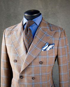 SUMMER MASTERPIECE Take a look at this phenomenal KING & BAY Sand Windowpane Hopsack Double Breasted Jacket. With its unique and eye catching contrast between Brown & blue, this jacket will turn heads in the summer sun Mens Fashion Blog, Mens Fashion Suits, Mens Suits, Fashion Sites, Men's Fashion, India Fashion, Fashion Trends, Dapper Gentleman, Gentleman Style