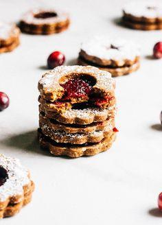 Gingerbread Cranberry Linzer Cookies