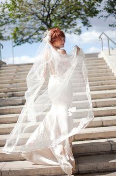 Real bride Anna wearing Homa bridal lace mantilla and Vera Wang gown