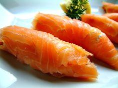 Qchenne-Inspiracje! FIT blog o zdrowym stylu życia i zdrowym odżywianiu. Kaloryczność potraw. : Roladki z łososia z kremem chrzanowym