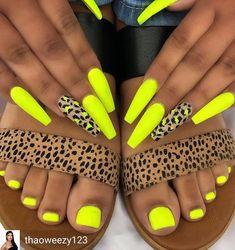 yellow nails design ~ yellow nails + yellow nails acrylic + yellow nails design + yellow nails short + yellow nails coffin + yellow nails acrylic coffin + yellow nails with glitter + yellow nails acrylic short Neon Yellow Nails, Yellow Nails Design, Yellow Nail Art, Neon Nails, Swag Nails, Glitter Nails, Lime Green Nails, Neon Nail Art, Grunge Nails