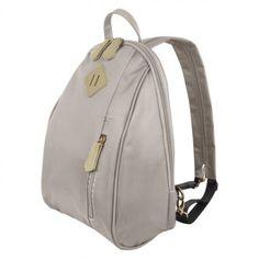 0b1ac3a2b44e5 216 melhores imagens de mochilas em 2019   Backpack bags, Beige tote ...