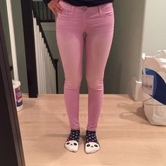Lilac Skinny Pants Beautiful lilac colored pants. 29 in inseam, 24in waist. Made of a smooth material. 54% cotton, 43% rayon, 3% spandex. Worn once, in perfect condition! American Eagle Outfitters Pants Skinny