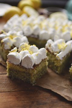 zitronen-mohn-kuchen-mit-quark-creme-15