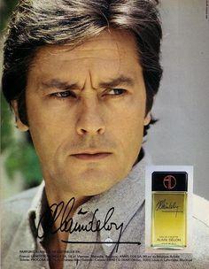 1981年のパリマッチ誌より、 当時発売されたドロンさんの香水の広告がありました。 いただきものですが、このボトルが我が家にもあります。 香水に興味があるわけでは全くありませんので、 なんとも表現の仕方に困るのですが、 これは柑橘系の香りがさわやかで、 夏にはぴったりの香水かな...