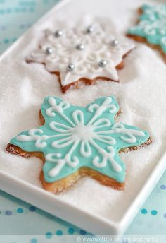 Decorated Snowflake Cookies by bossacafez, via Flickr