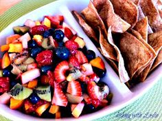 Dishing With Leslie: Fruit Salsa (With Baked Cinnamon Chips)