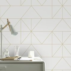Non-woven wallpaper geo cream gold (design – Photo's En Uygun Kitchen Wall Colors, Kitchen Decor Themes, Home Decor, Retro Home, Wall Design, Interior Design Living Room, Home And Living, Brown Bedrooms, Graham Brown