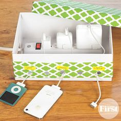 Pretty DIY Charging Center - www. Dorm Room Organization, Organization Hacks, Charger Organization, Organizing, Cable Organizer, Diy Box, Diy Storage, Diy Projects To Try, Shoe Box