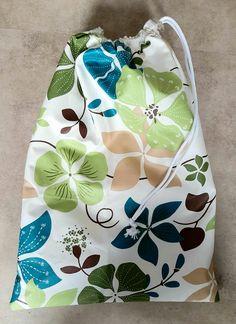 DIY sac à salade et crudités : matériel et tuto pour en réaliser un Coin Couture, Projects To Try, Sewing, Scrappy Quilts, Dressmaking, Tuto Couture Facile, Fabric Bowls, Bag Making, Couture