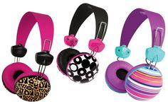 Headphones estilosos são sempre uma boa escolha! São vários modelos e estampas diferentes, de animal print até estampas florais.