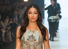 Get this Big Volume Loose Waves look and more - straight off the Runway http://www.ry.com.au/ontrend/fashion-week/
