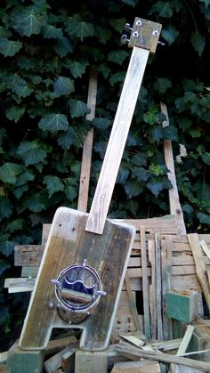 To be or not to be acoustic! Made at Triple Chaos Portugal Pallet upcycle project. Acoustic, Pallet, Upcycle, Portugal, Projects, Log Projects, Upcycling, Palette, Upcycled Crafts