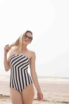Striped Maillot
