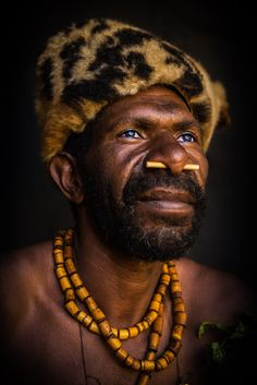 Papua New Guinea Kalam tribe Simbai Belly Painting, Portraits, Face Expressions, Dark Fantasy Art, Historical Pictures, People Of The World, Papua New Guinea, Wedding Humor, World Cultures