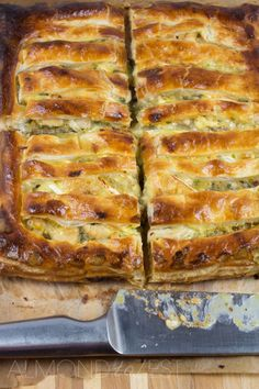 "Chicken, Leek Brie Pie (recipe) - ""Leeks cooked to a sweet caramelized state are mixed with chunks of juicy chicken pieces, swimming in a pool of white wine and salty stock. Topped with slices of creamy centered Brie cheese that melts into a gooey mess. Beef Recipes, Chicken Recipes, Cooking Recipes, Healthy Recipes, Recipies, Recipe For Chicken Pie, Mini Pie Recipes, Apple Cake Recipes, Cooking Bacon"