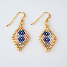 Boucles d'oreilles losange et fleurs en perles miyuki ▲ plaqué or