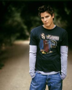 sean faris from my favorite movie. In this outfit he looks like college craig! Gorgeous Men, Beautiful People, Pretty Men, Beautiful Boys, Pretty Boys, Sean Faris, Watch Tv Online, New Poster, Celebs