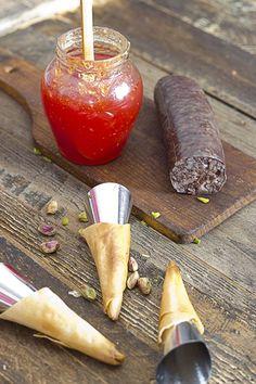 Yerbabuena en la cocina: Crujientes de morcilla con mermelada de guindilla picante.