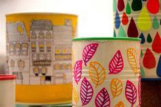 Nuevos diseñadores: la creatividad de Julia Chighizola  El universo creativo de Julia Chighizola.  /Gentileza Julia Chighizola Tin Can Crafts, Jar Crafts, Bottle Crafts, Diy And Crafts, Arts And Crafts, Painted Tin Cans, Painted Pots, Tin Can Art, Recycled Tin Cans