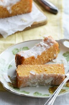 Papaya Coconut Cake: Oh boy is this cake good – a little too good to just have chilling in my fridge on a random weekday. Despite how delicious it is, this cake is actually quite unsightly; it doesn't rise much and the. Strudel, Just Desserts, Delicious Desserts, Yummy Treats, Sweet Treats, Cake Recipes, Dessert Recipes, Piece Of Cakes, Cookies Et Biscuits