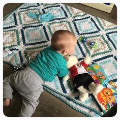 StitchGwen in action! My little nephew Javi loves playing on his StitchGwen Blanket.  I'm such a proud auntie he just rolled over and I was there to watch it all happen! Pattern is Cedar River Blanket by @katgoldin . #katgoldin #cedarriverblanket #cedarriver #crochetblanket #gehaaktedeken #stylecraft #stylecraftspecialdk #croché #crochê #crochet #ganchillo #trapillo #uncinetto #hekle #hekling #heelhollandhaakt #haken #haekle #häkeln #hakeniship #etsyseller #etsy #etsyshop…