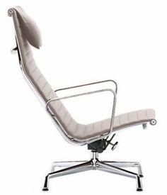 Bauhaus Möbel Klassiker. Charles Eames Aluminium Group Chair EA 124 (1958)