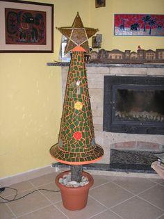 Árvore de Natal de mosaicos. Feita por um grande amigo artista!