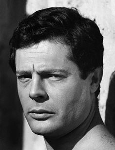 Marcello Mastroianni during filming of the Beppe de Santis movie, Giorni Marcello Mastroianni, Most Handsome Actors, Handsome Faces, Italian People, Alain Delon, Actor Model, Old Hollywood, Classic Hollywood, Famous Faces