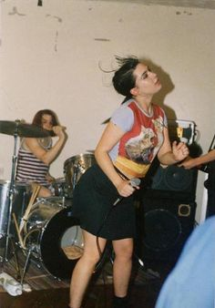 little trouble girl Kathleen Hanna, Music Is Life, Gym Equipment, Bike, Rock Girls, Sports, People, Musicians, Bands