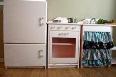DIY Furniture : DIY Ellie's cute pink play kitchen...